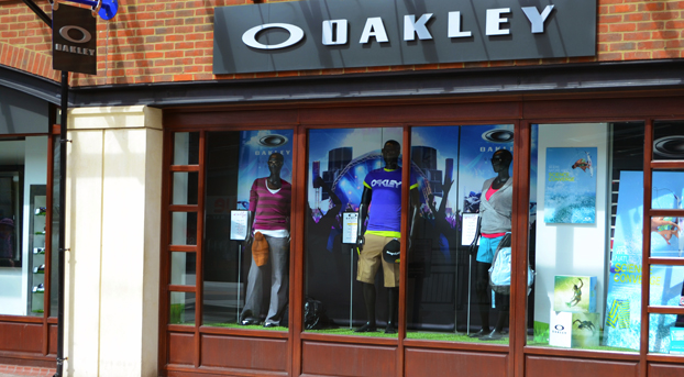 Oakley Shops Uk